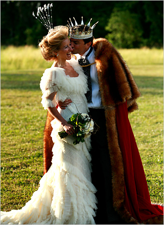 Spanish Wedding Dress Designers on Feather Wedding Dress1