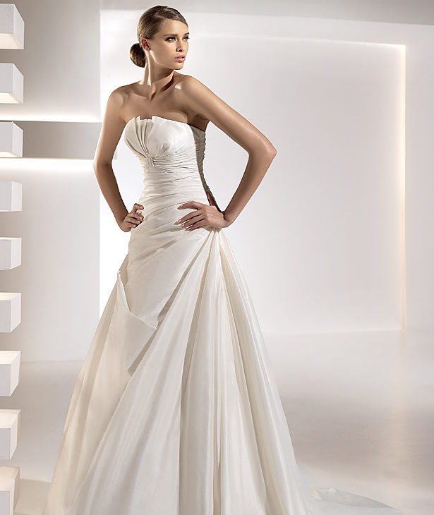 Wedding Gown Stores Nyc: Pronovias 2010 Bridal Collection Preview