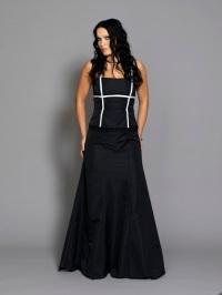 de traje negro