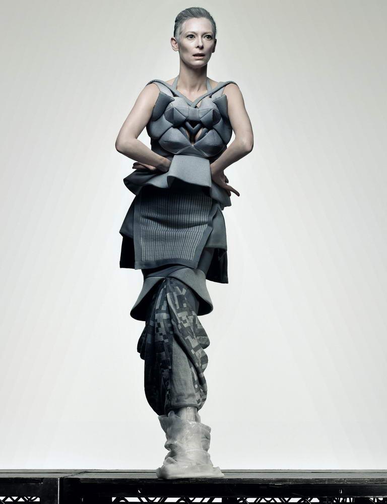 http://fashionbride.files.wordpress.com/2009/03/tilda-swinton-another-magazine-ss09-11.jpg