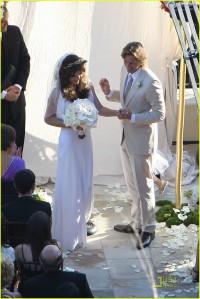 milla-jovovich-wedding-picture-09