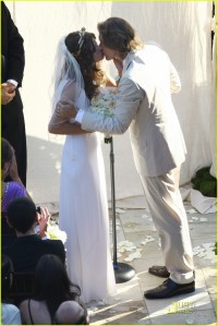 milla-jovovich-wedding-picture-15