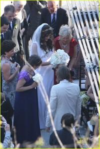 milla-jovovich-wedding-picture-16
