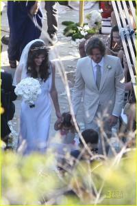 milla-jovovich-wedding-picture-17