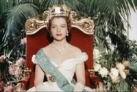 LES-JEUNES-ANNEES-D-UNE-REINE-MADCHENJAHRE-EINER-KONIGIN-1954_diaporama_portrait