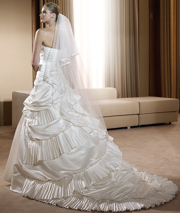 Pronovias abiti da sposa 2011 parte ii sposa mania for Stile missione spagnola