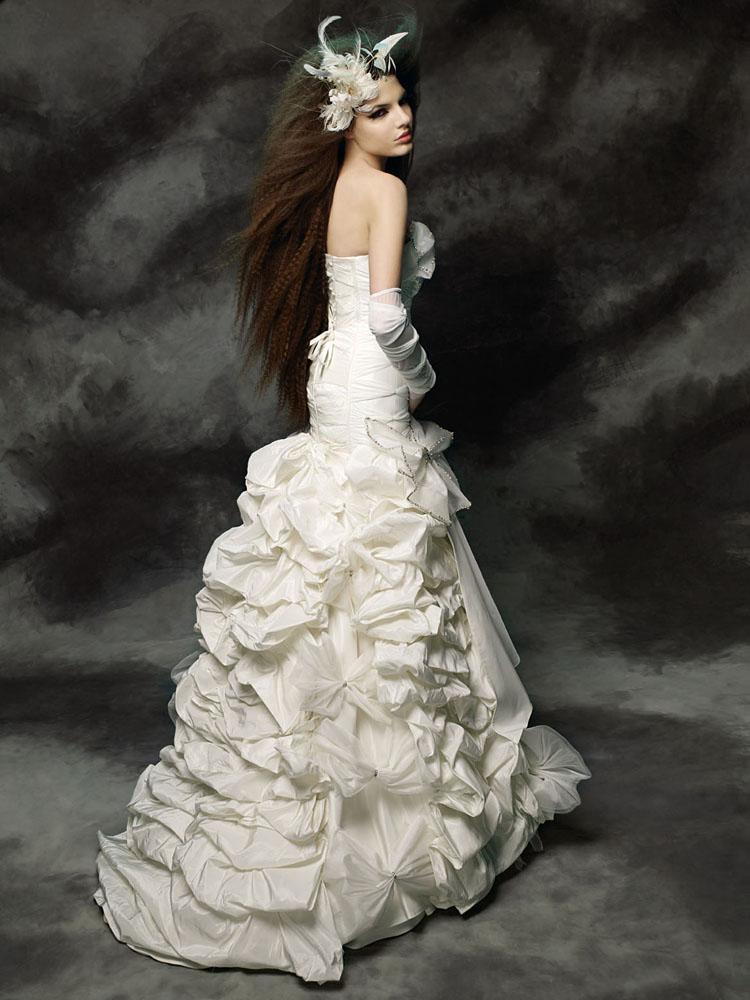 ca1b7df9b فساتين زفاف فرنسية 2012 - شبكة روايتي الثقافية