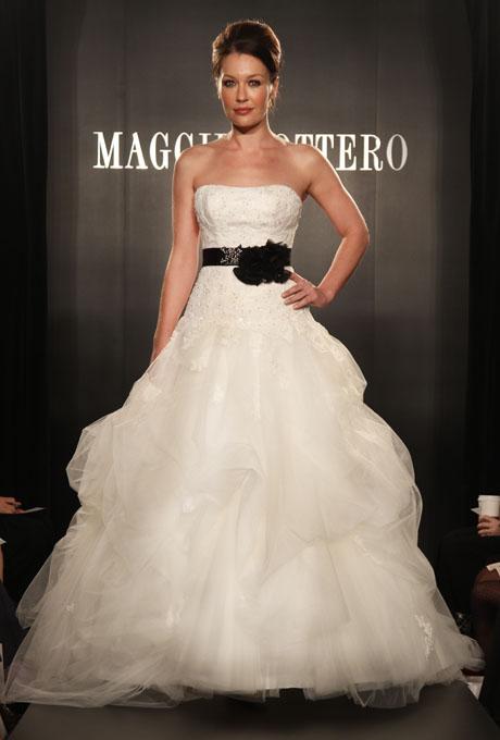 MAGGIE SOTTERO SHOW