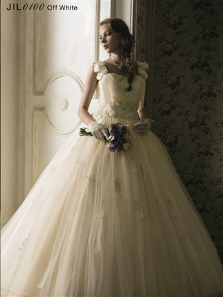 Jill Stuart recently launched its Wedding Dress collection at its