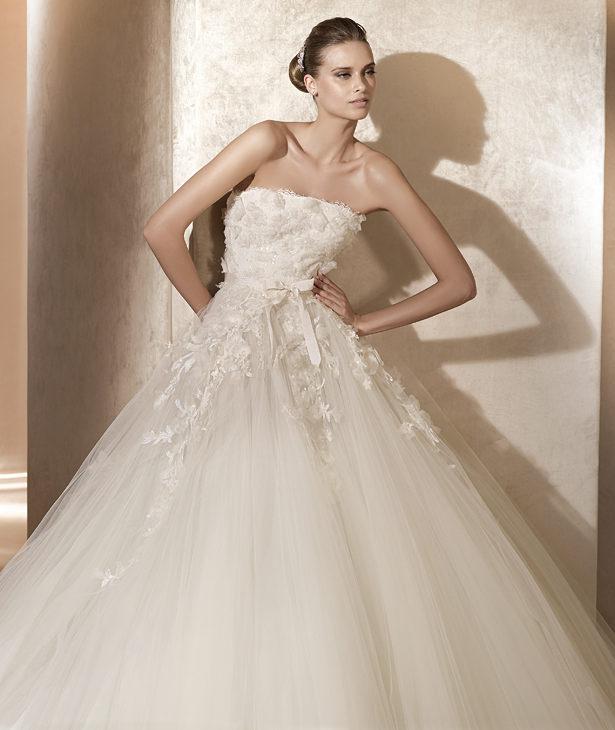 Elie saab 2012 pronovias spring bridal collection the for Elie saab prices wedding dress