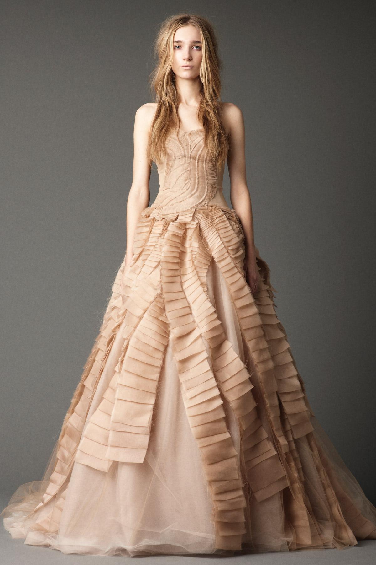 2012 Fall 2013 Winter Nail Polish Trends: Vera Wang Fall Winter 2012 Bridal Collection