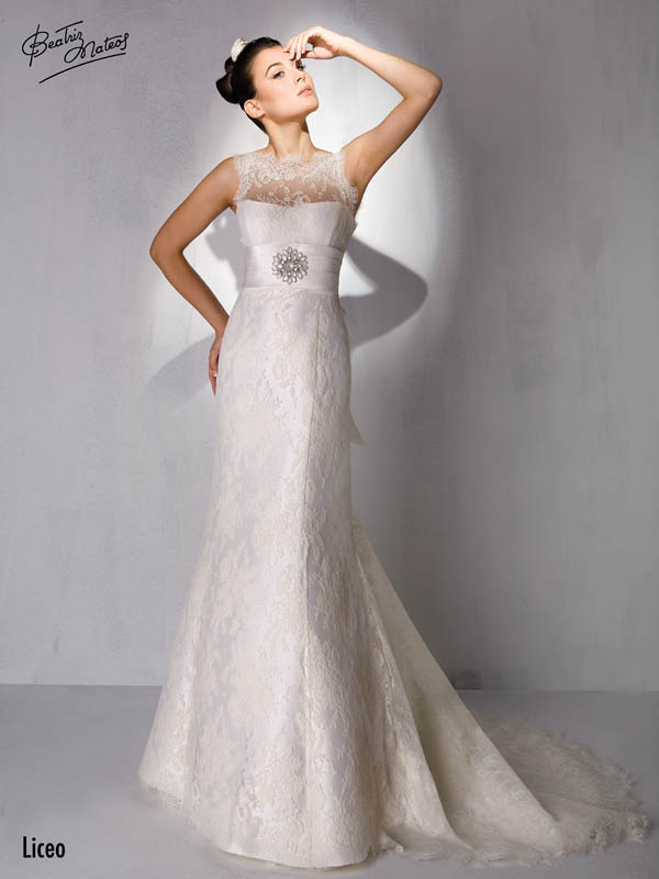 4690ac73a22a8 Discover Beatriz Mateos collections for bridal and party 2013. From classic  lines to the most avant-garde