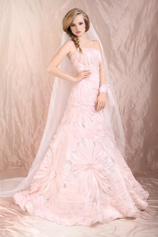 Images Of Pink Wedding Dresses : Tricks how to choose a pink wedding dress ?