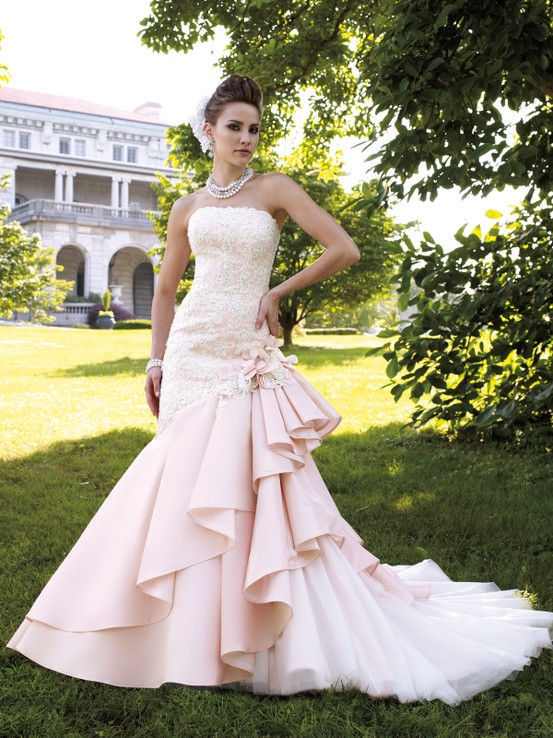 Tips and Tricks: How to Choose a Pink Wedding Dress