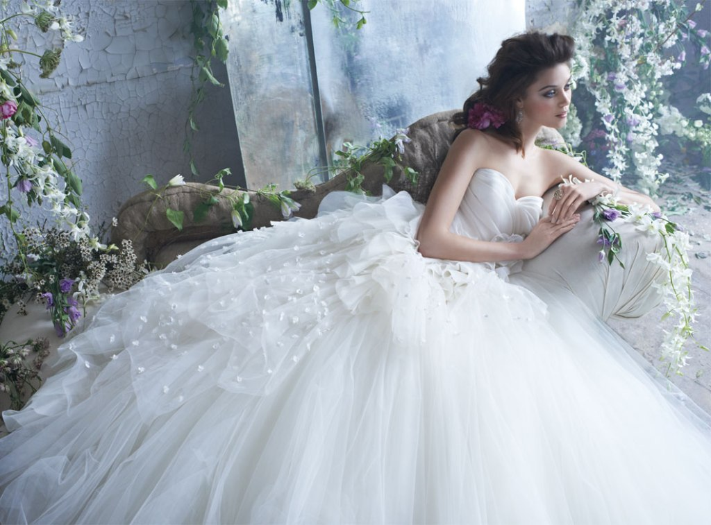 tara-keely-bridal-tulle-ball-gown-pleated-organza-sweetheart-natural-waist-petals-chapel-train-2300_zm[1]
