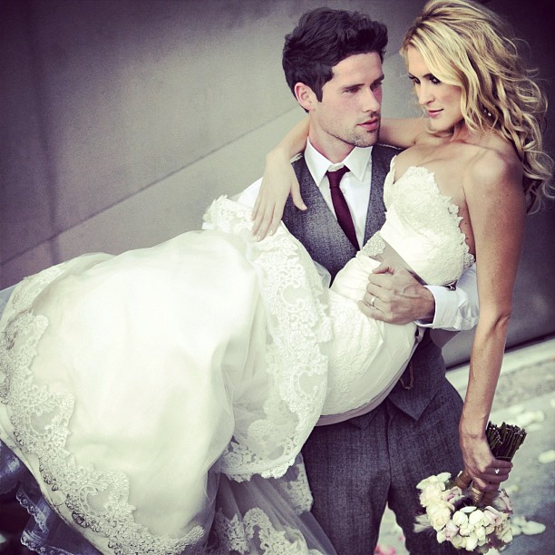 10 Celebrity Wedding Details You Can Totally Copy On A: Ben Hollingsworth And Nila Myers (10)