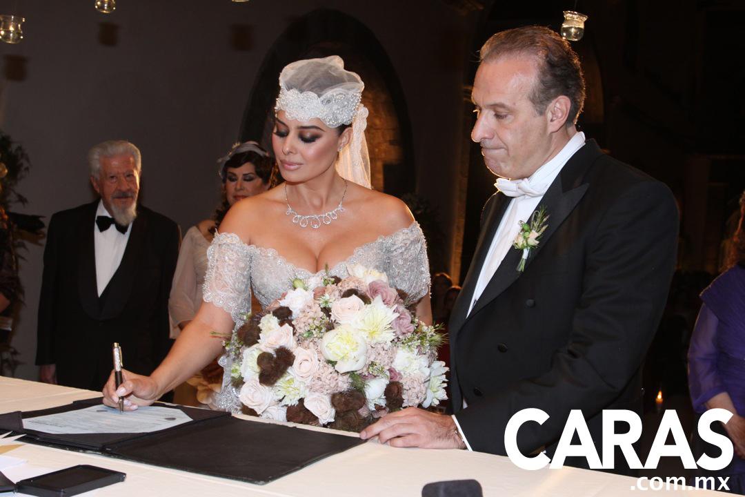 Wedding  Yadhira Carrillo and Juan Collado  II    187  Yadhira Carrillo    Yadhira Carrillo 2013