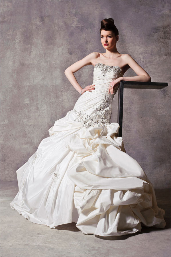 8_Stephen_Yearick_Fit_and_Flare_Wedding_Dress_Dimitras_Couture_Bridal_Salon_Chicago[1]