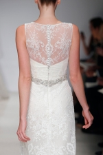 christos-lace-illusion-back
