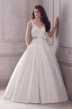 paloma-blanca--gown-4400--front_0[1]
