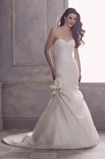 paloma-blanca--gown-4403--front_2[1]