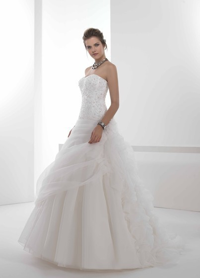 Bridal Gowns Over 40 : Dalin spose wedding gowns