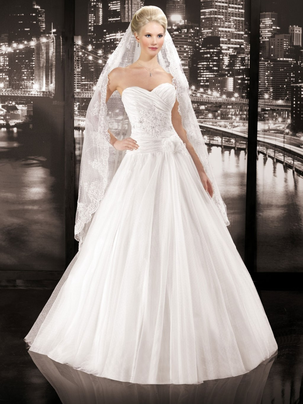 Miss paris 2014 spring bridal collection ii the for Wedding dress in paris