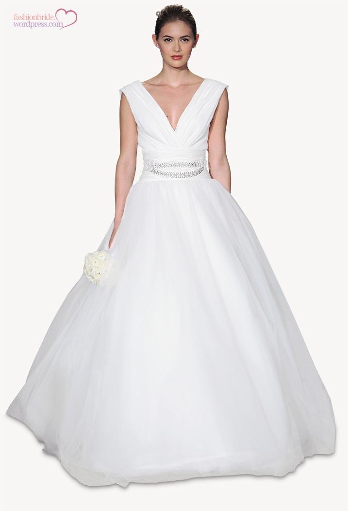 carolina-herrera-2015-wedding-gowns-7.jpg