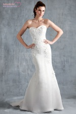VERA bridal gown by Modern Trousseau