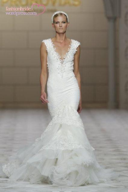 pronovias_-wedding-gowns-2014-2015-11