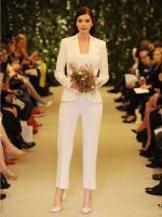 carolina-herrera-bridal-gowns-spring-2015-fashionbride-website-dresses-04