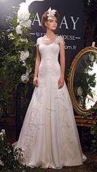 akay-bridal-2016-fashionbride-website-dresses-02
