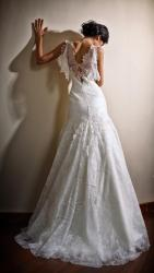 akay-bridal-2016-fashionbride-website-dresses-09