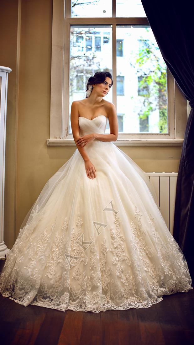 akay-bridal-2016-fashionbride-website-dresses-11
