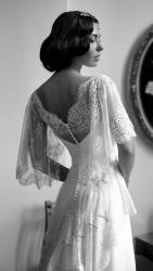 akay-bridal-2016-fashionbride-website-dresses-18