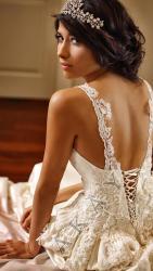 akay-bridal-2016-fashionbride-website-dresses-19