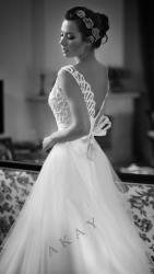 akay-bridal-2016-fashionbride-website-dresses-21