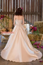 roz-la-kelin-2016-bridal-collection-wedding-gowns-thefashionbrides28