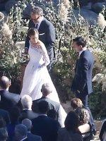 allison-williams-wedding-dress-alison-williams-wedding-dress (2)