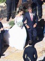 allison-williams-wedding-dress-alison-williams-wedding-dress (3)
