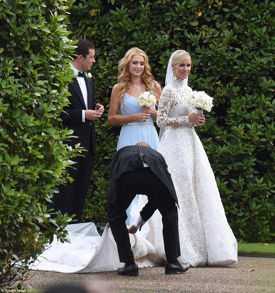 Blushing_bride_Nicky_Hilton_leaves_Claridge_s_hotel_in_London_ (7)