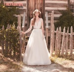 mikaella-bridal-wedding-gowns-fall-2016-thefashionbrides-dresses28