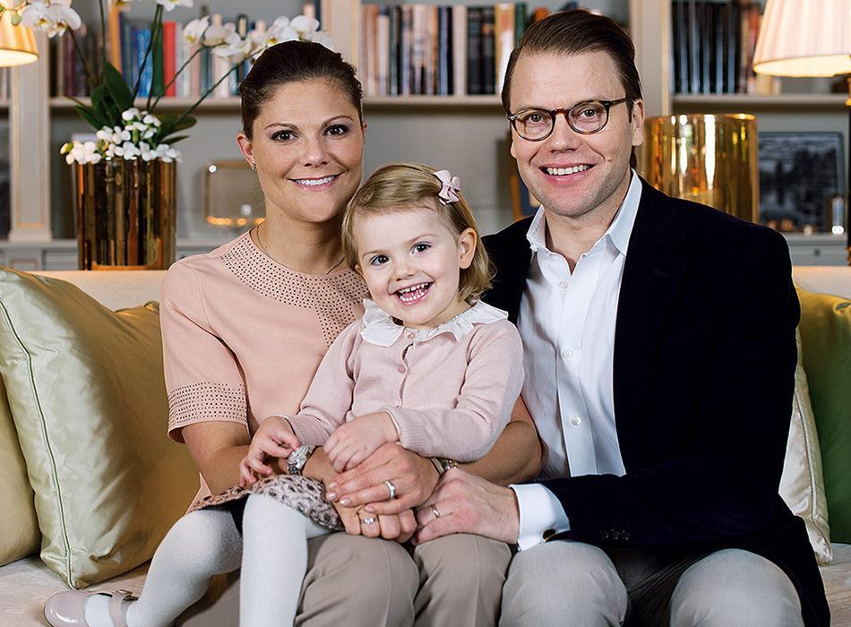 Princesses-Sofia-Victoria-Sweden-Pregnancy-Style (2)