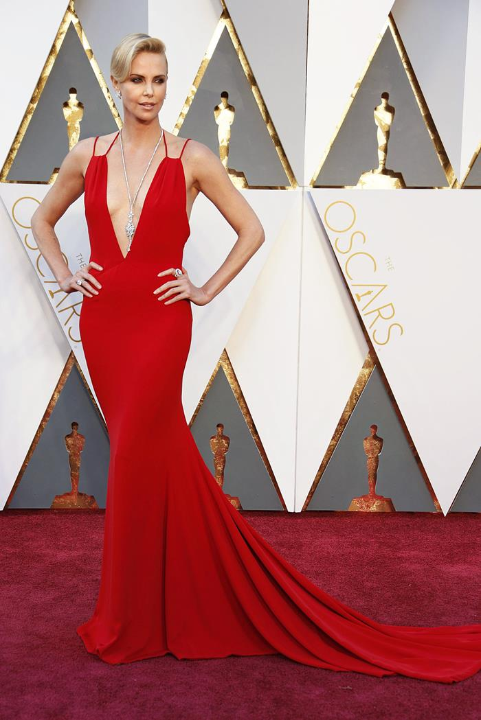 Charlize+Theron+Dresses+Style (13)