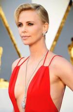 Charlize+Theron+Dresses+Style (6)