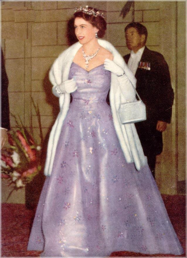Queen Elizabeth Ii England Fashion Style 2 The