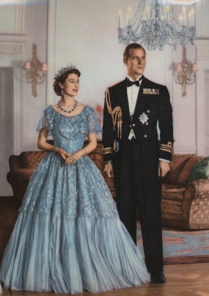Queen Elizabeth Ii England Fashion Style 7 The Fashionbrides