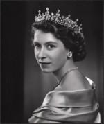 Queen-Elizabeth-II-style (12)