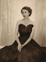 Queen-Elizabeth-II-style (2)