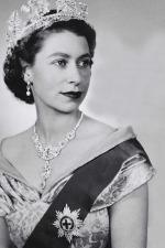 Queen-Elizabeth-II-style (8)